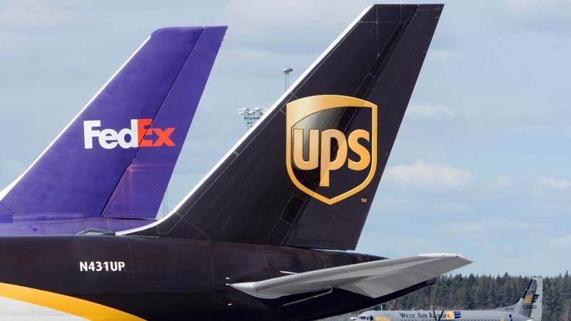 van-tai-hang-khong-FedEx-UPS