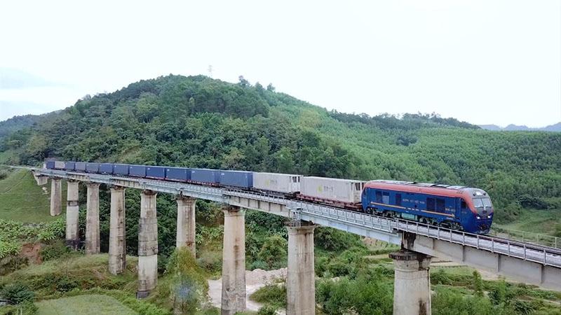 Giá cước phí vận chuyển hàng hóa bằng đường sắt