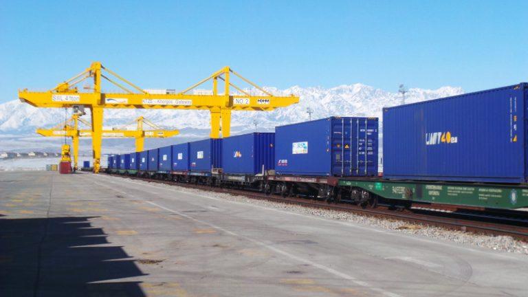 Giá cước phí vận chuyển hàng hóa bằng đường sắt 1