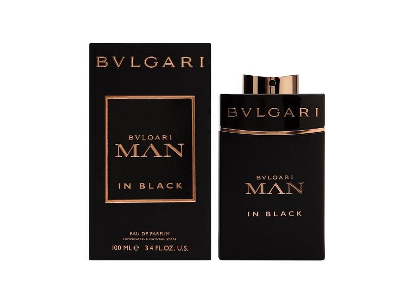 nuoc hoa man in black