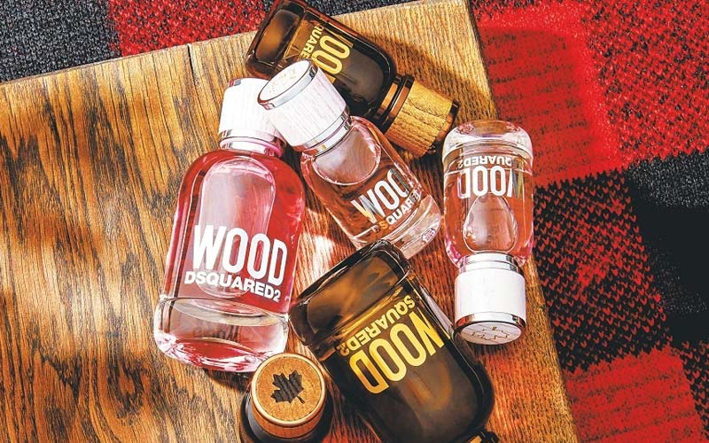 review-thuong-hieu-nuoc-hoa-Dsquared2-Wood