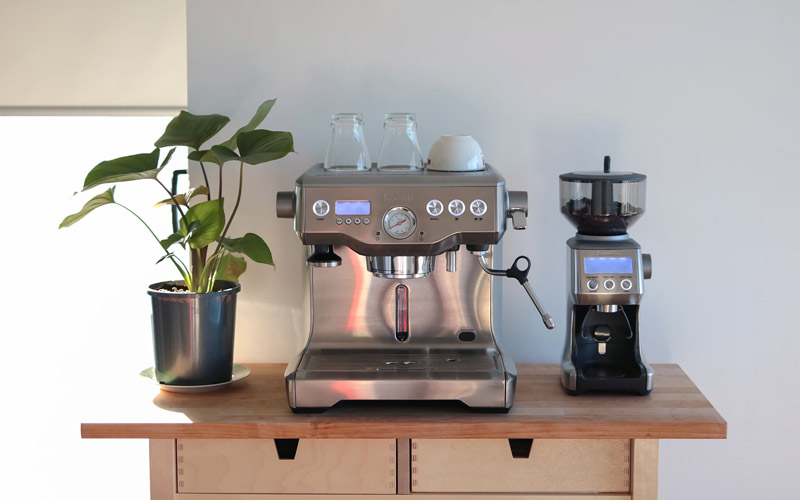 review-may-pha-ca-phe-Breville-uc