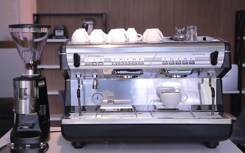 review-may-pha-cafe-Nuova-Simonelli